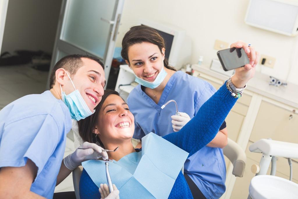 Для чего нужны регулярные визиты к стоматологу?