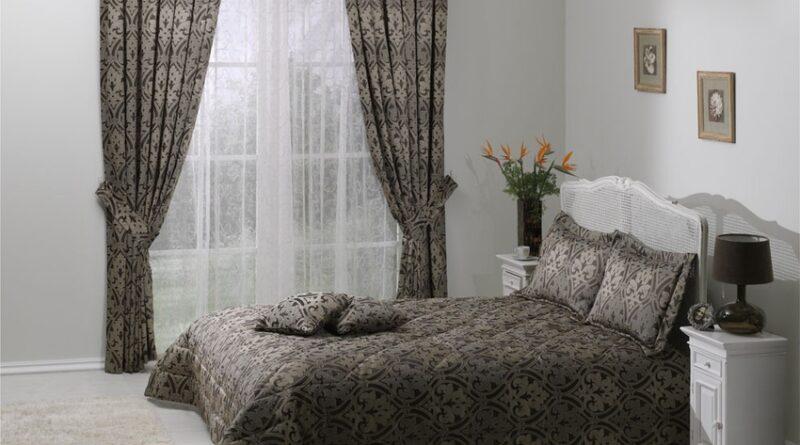 Шторы для спальни: советы по выбору цвета и фактуры